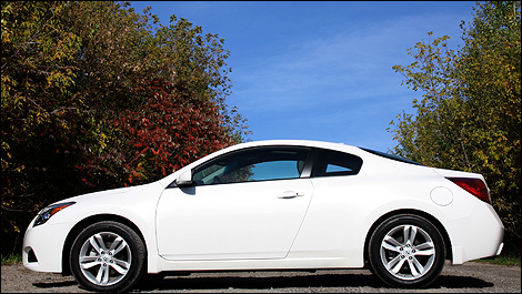 2012 Nissan Altima Coupe 2.5S Side View