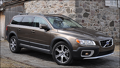 2013 volvo xc70 t6 awd review. Black Bedroom Furniture Sets. Home Design Ideas