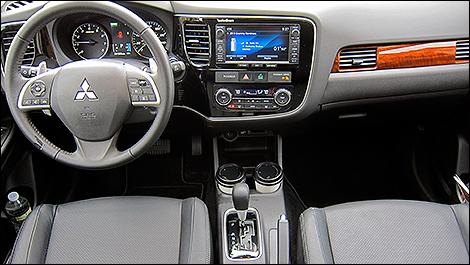2014 Mitsubishi Outlander Driveru0027s Cockpit