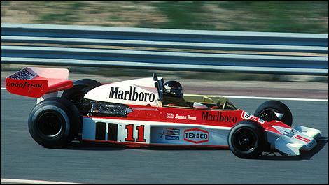 F1 Looking At Niki Lauda S Ferrari And James Hunt S