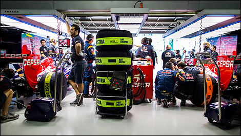 vue intrieure du garage toro rosso photo red bull media