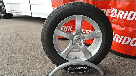Dueler H L Alenza Plus >> Tire Test Bridgestone Dueler Hl Alenza Plus Auto123 Com