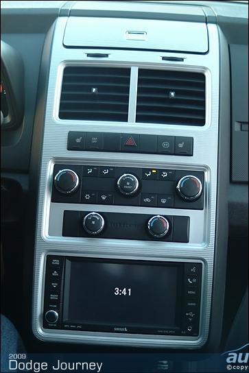 2009-Dodge-Journey-035.JPG