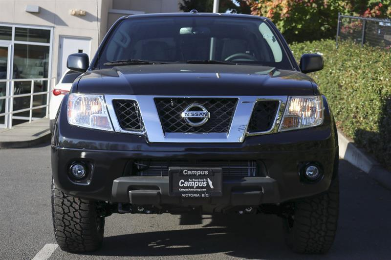 Nissan Frontier 4WD Crew Cab 8