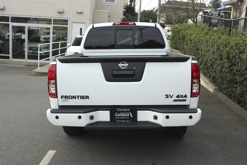 Nissan Frontier 4WD Crew Cab 4