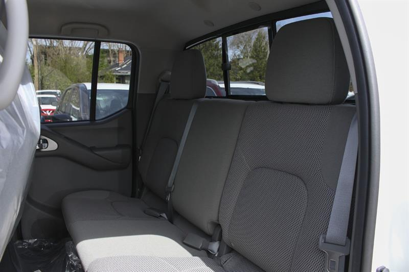 Nissan Frontier 4WD Crew Cab 6