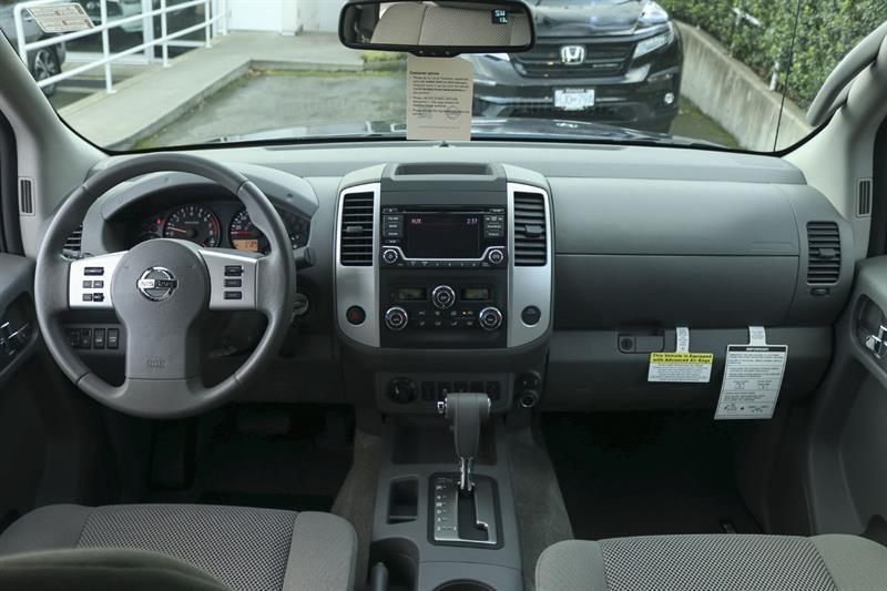 Nissan Frontier 4WD Crew Cab 5