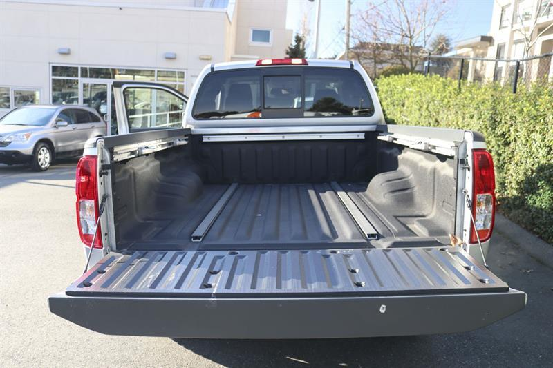 Nissan Frontier 4WD King Cab 25