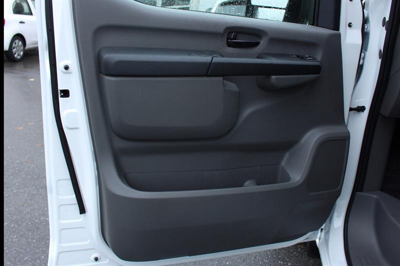 Nissan NV2500 HD SV High Roof Cargo 13