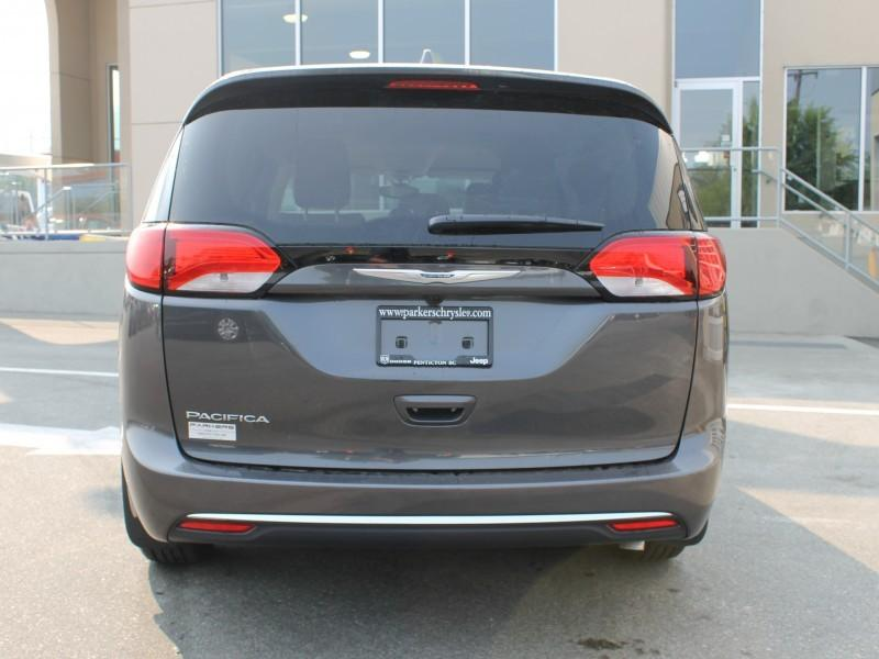 Chrysler Pacifica 4