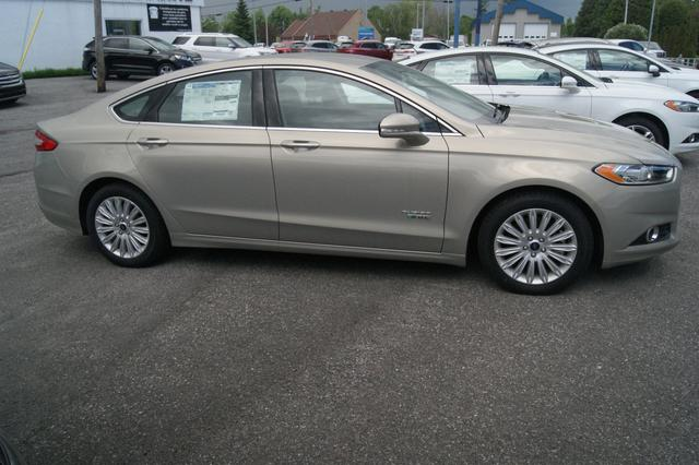 Ford Fusion energi SE LUXURY 8