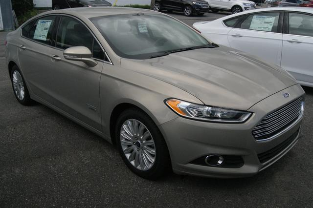Ford Fusion energi SE LUXURY 9