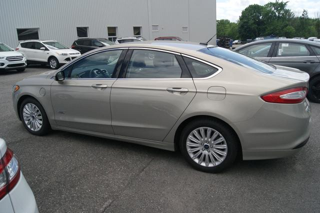 Ford Fusion energi SE LUXURY 3
