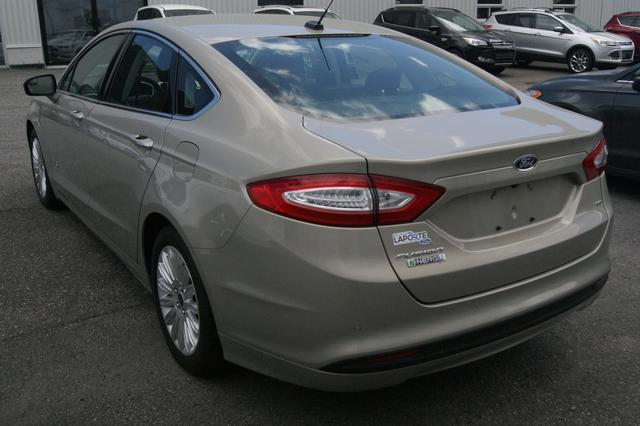 Ford Fusion energi SE LUXURY 4