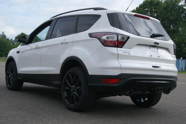 Ford Escape SE 3