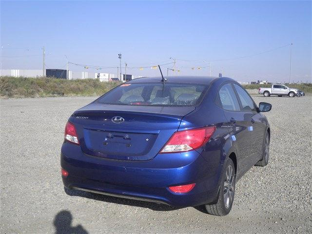 Hyundai Accent Sedan 8