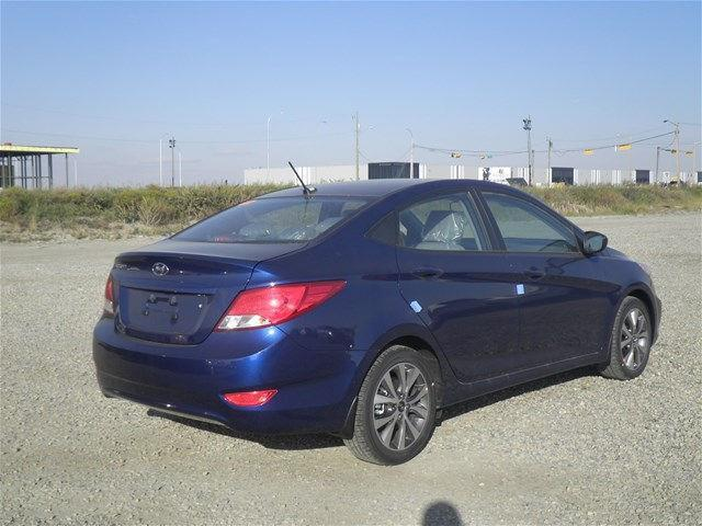 Hyundai Accent Sedan 9