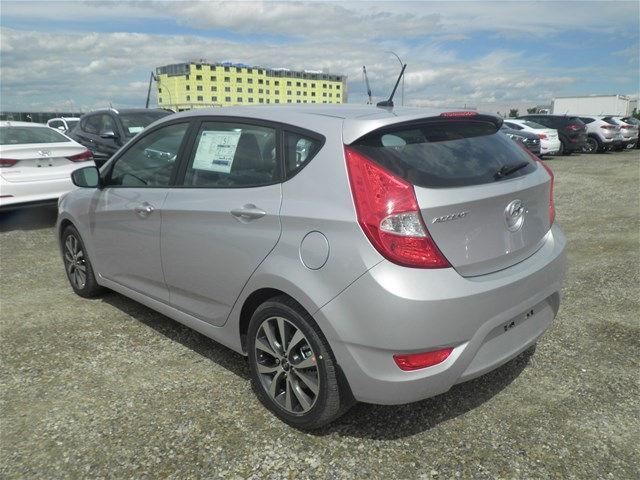 Hyundai Accent Hatchback 3