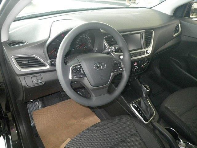 Hyundai Accent Sedan 16