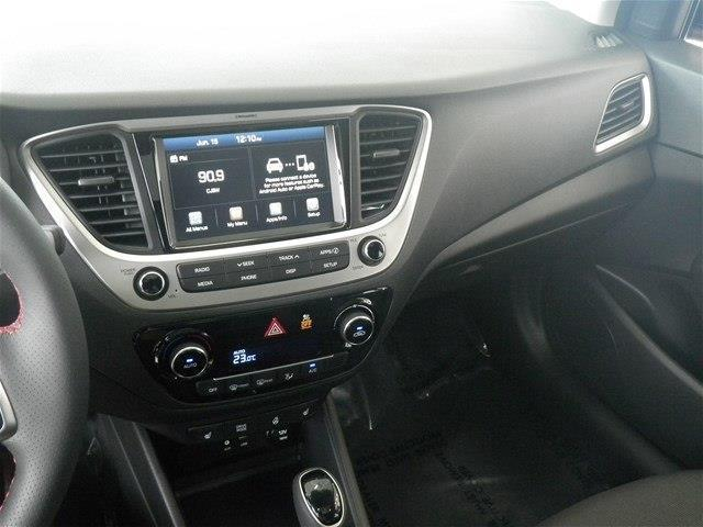 Hyundai Accent Hatchback 23