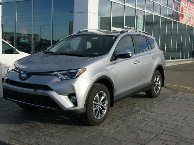 v hicule toyota rav4 hybrid 2017 neuf vendre calgary. Black Bedroom Furniture Sets. Home Design Ideas