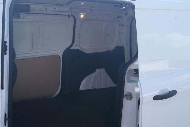 Ford Transit Connect XLT 11