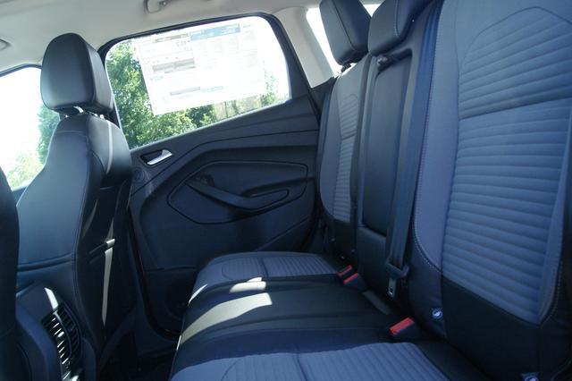 Ford Escape Titanium 11