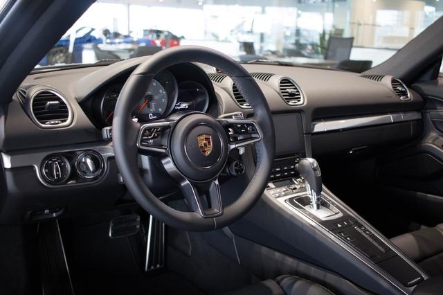 v hicule porsche cayman 718 s 2017 neuf vendre laval qu bec auto123. Black Bedroom Furniture Sets. Home Design Ideas