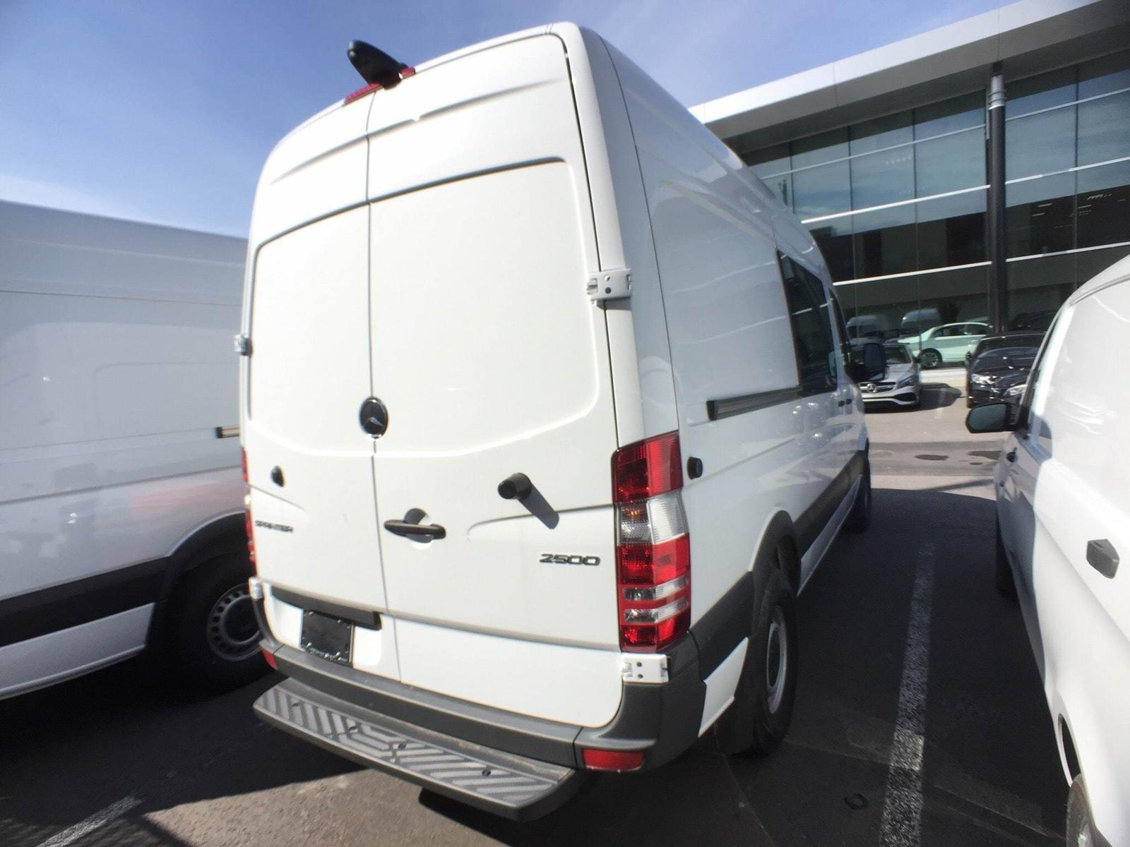 Mercedes-Benz Sprinter V6 2500 cargo 144 5