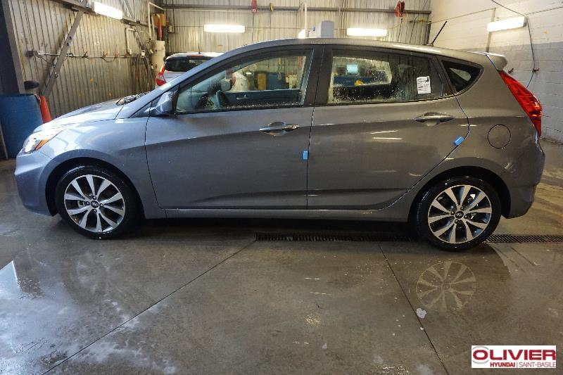 Hyundai Accent Hatchback 2