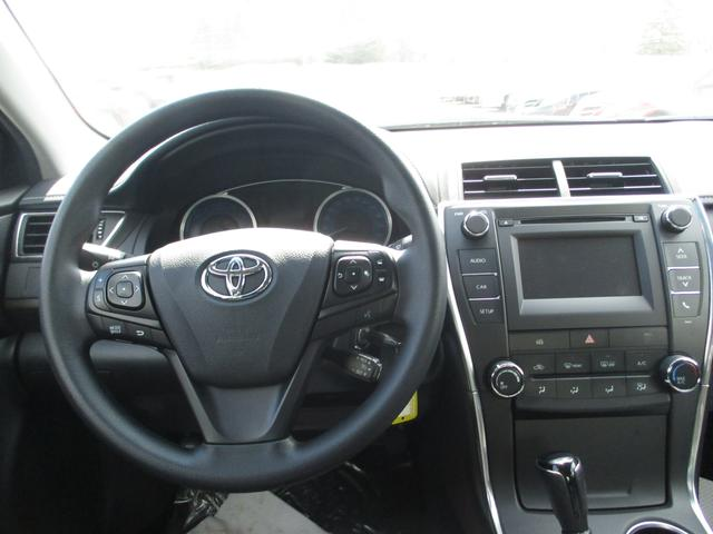 Toyota Camry  LE 16