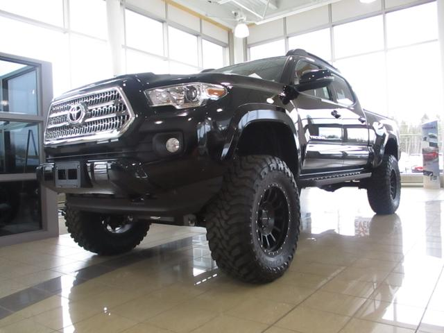 v hicules toyota tacoma d 39 occasion vendre autos. Black Bedroom Furniture Sets. Home Design Ideas