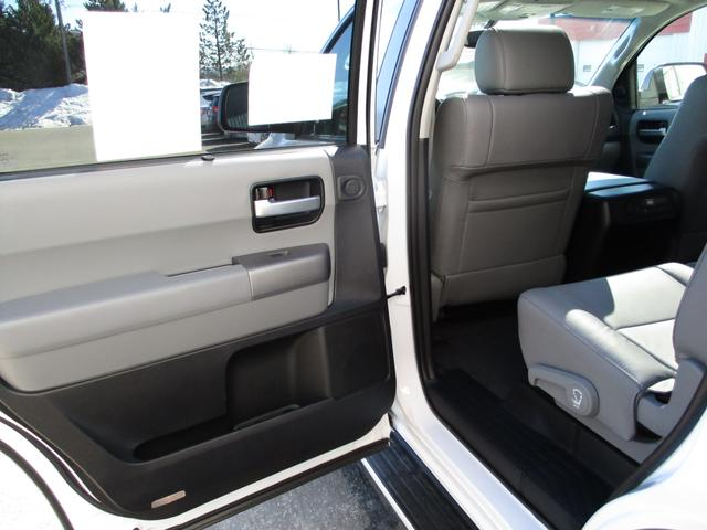 Toyota Sequoia  4WD Limited 5.7L 12