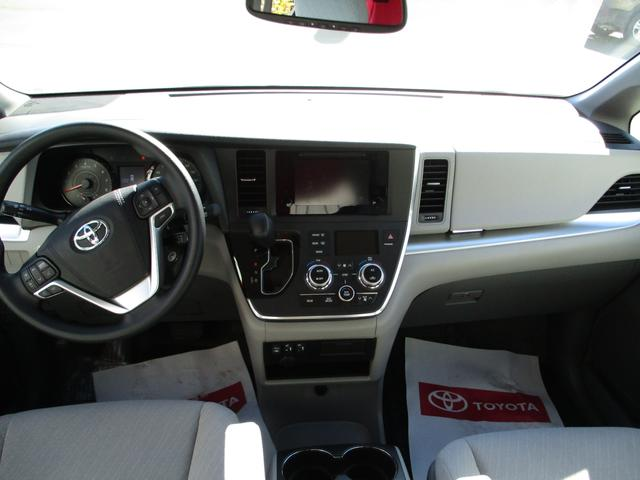 Toyota Sienna  LE V6 8-Pass 12