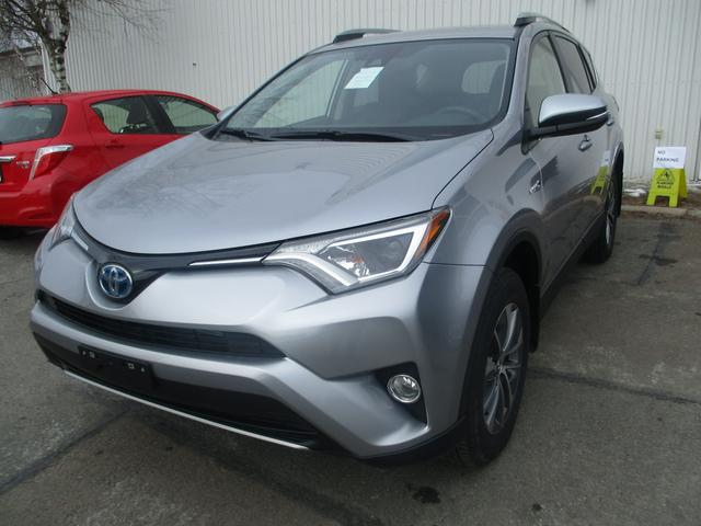 v hicule toyota rav4 hybrid awd le 2017 neuf vendre. Black Bedroom Furniture Sets. Home Design Ideas