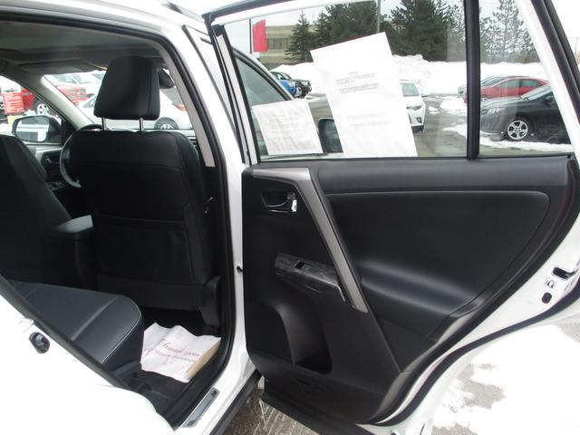 Toyota RAV4  AWD Limited 11