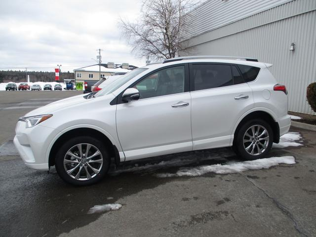 Toyota RAV4  AWD Limited 4