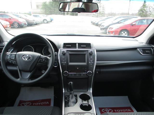 Toyota Camry Hybrid LE 15