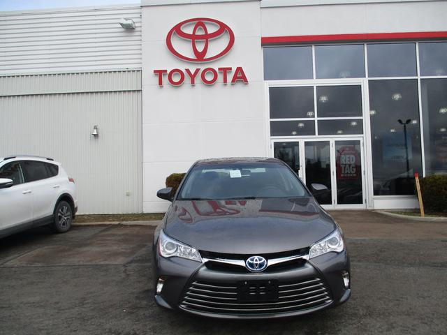 Toyota Camry Hybrid LE 2