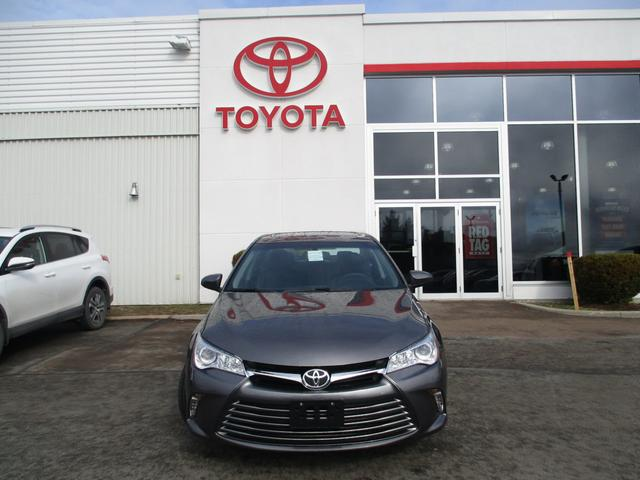 Toyota Camry  LE 2