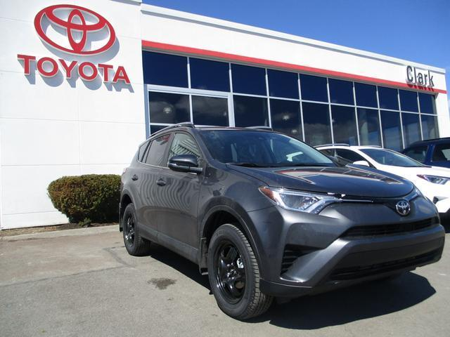 v hicule toyota rav4 awd le 2017 neuf vendre fredericton nouveau brunswick 8172173 auto123. Black Bedroom Furniture Sets. Home Design Ideas