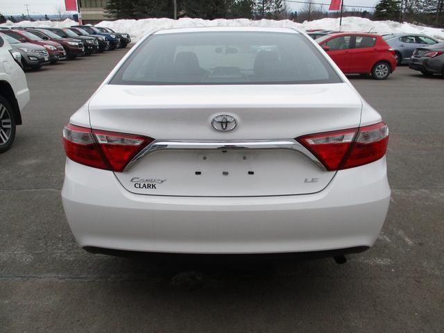 Toyota Camry  LE 6