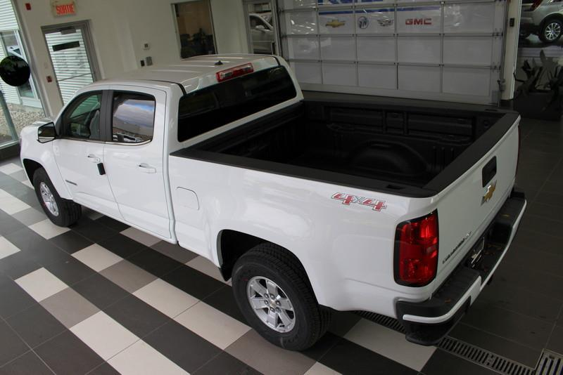 CHEVROLET TRUCK COLORADO 24