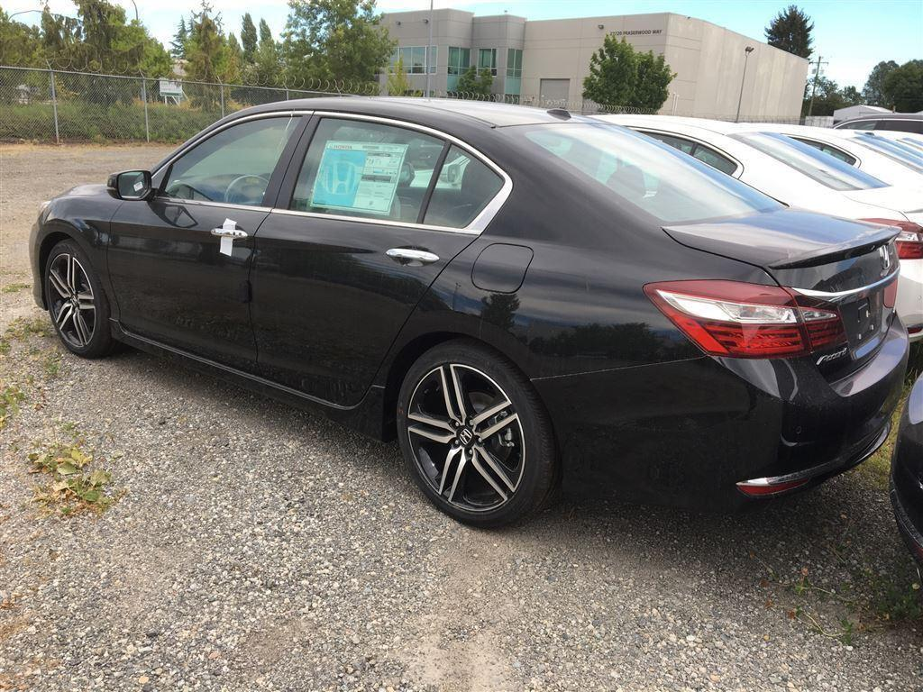 Honda Accord Sedan 4