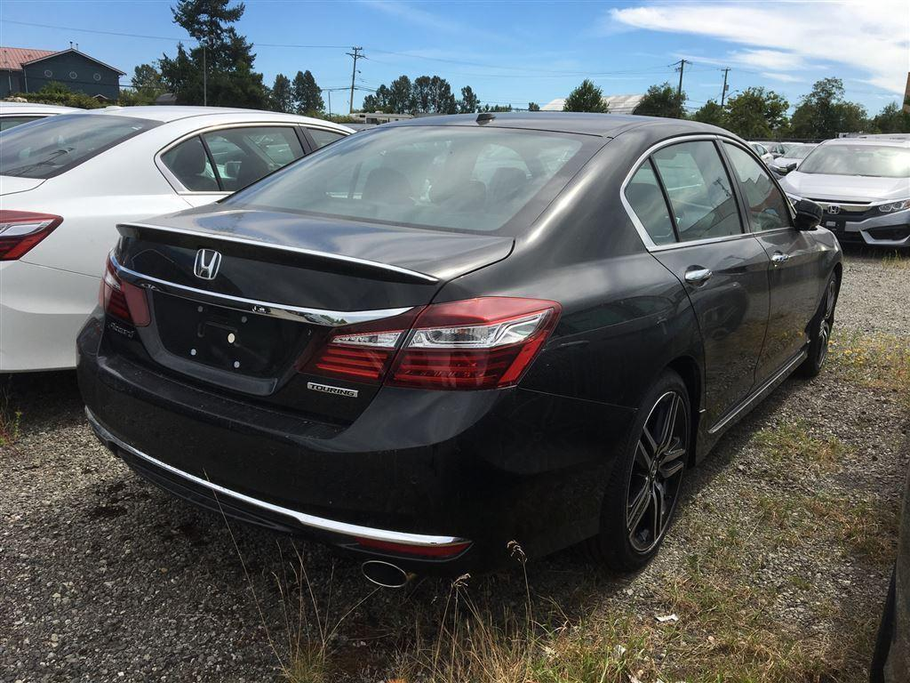 Honda Accord Sedan 3